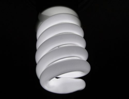 ¿Cómo reciclamos bombillas y fluorescentes?