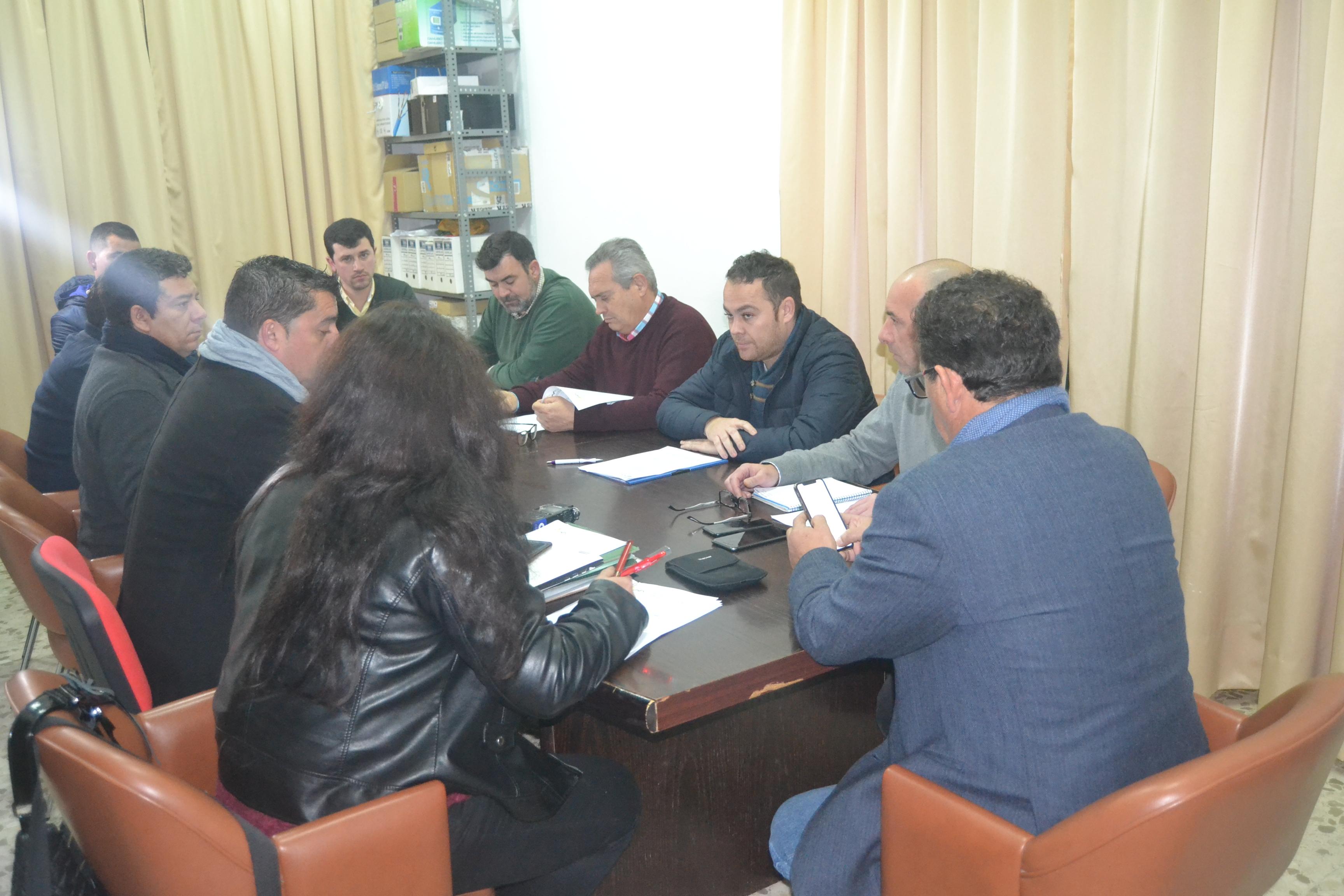Los alcaldes de la Sierra Morena de Sevilla anuncian acciones de fuerza contra el problema de los cortes de suministro eléctrico